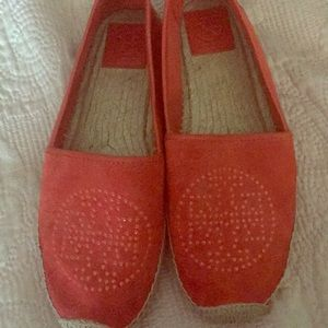 Authentic Tory Burch suede flats size 9.5 like new